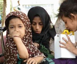 أصيبت بالمرض فزوجها رماها في الشارع.. «أم رحمة» تستغيث بـ «التضامن»: بناتي بيموتوا على الرصيف