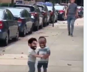 محمد صلاح ينشر فيديو ساخر عن علاقته بماني