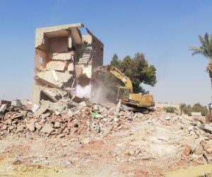 خطة تطوير شاملة للفسطاط.. 6 كباري جديدة وهدم مقابر الليثي والعشوائيات