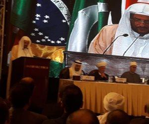وزير أوقاف السعودية: الجماعات المتطرفة سبب الثورات وقتل المدنيين وتخريب الأوطان