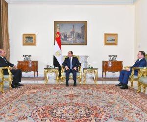 شاهد.. رئيس مجلس الدولة والنائب العام يحلفان اليمين أمام الرئيس السيسي