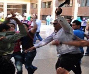 صوت وصورة.. «بلطجي» يسحل معلمة في فناء مدرسة بالجيزة ويؤكد: تستاهل الضرب