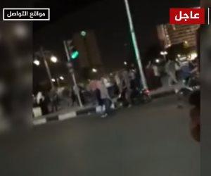 فيديوهات المتظاهرين على الجزيرة «مضروبة».. إشارة المرور من 2011 والحالية رقمية