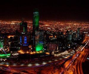 صباح العالم.. أشهر شركة سياحية بريطانية تعلن إفلاسها والسعودية تتزين باللون الأخضر