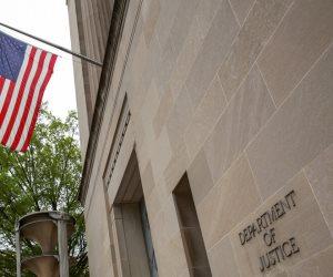 العدل الأمريكية تنهي الجدل: مكالمة ترامب وزيلينسكي لا تستدعي التحقيق والقضية مغلقة