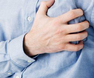 ألم الصدر لديك نتيجة نوبة قلبية في هذه الحالات