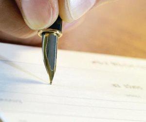سمات كتابة السكران.. كيف يكشف الخبراء فرق الخط بين المدمن وغير المدمن؟
