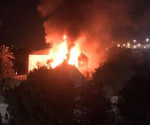 الحماية المدنية تدفع بسيارات إطفاء للسيطرة على حريق كنيسة حلوان (فيديو)