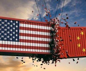 رغم بوادر اتفاقها مع الصين لإيقاف الحرب التجارية.. هذا ما حدث لاقتصاد أمريكا