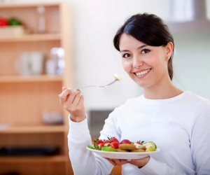 كيف تأكل وجبة خفيفة صحية بين الوجبات الرئيسية؟
