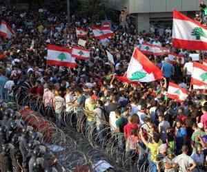 الاقتصاد اللبناني بين مطرقة الديون وسندان السياسة