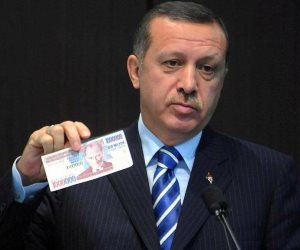 رغم انهيار اقتصاد بلاده.. أردوغان يُزيد راتبه وهذا ما يتقاضاه الديكتاتور