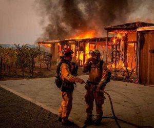 في كاليفورنيا الأمر كارثي للغاية.. الحرائق تآكل مزيدا من الأراضي و180 ألف مواطنا تركوا منازلهم
