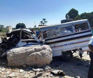 مصرع 5 وإصابة 2 في حادث دهس قطار لسيارة بمزلقان بدران بالأقصر