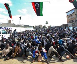 تعذيب واغتصاب وابتزاز.. مراكز إيواء المهاجرين في ليبيا تفضح حكومة الوفاق