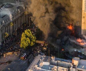 سر تحول العاصمة التشيلية «سانتياجو» إلى ساحة حرب