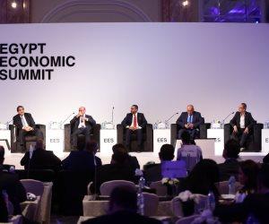 فى جلسة العقارات بقمة مصر الاقتصادية الأولى.. المشاركون يطالبون بتذليل عقبات تصدير العقار