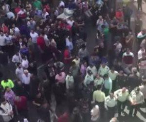 متظاهرون يشعلون النار فى محطة للوقود بمدينة سيرجان وسط إيران