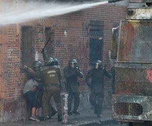 جولة مكوكية حول العالم.. العنف يتصاعد بتشيلى.. ومحطات الوقود بوليفيا مغلقة.. واشتباكات بهونج كونج