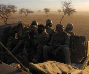 داعش والقاعدة في الساحل.. تفاصيل مقتل 24 جنديا بـ«مالي»