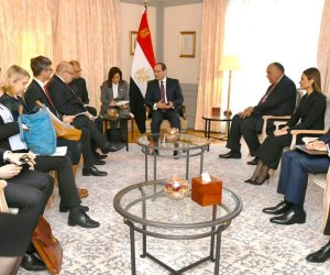 السيسى يؤكد لوزير الاقتصاد الألمانى التطلع لجذب مزيد من الاستثمارات إلى مصر