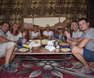 «ادخلوها بسلام آمنين».. هكذا تنال سياحة السفاري والجبال بشرم الشيخ إعجاب الأجانب