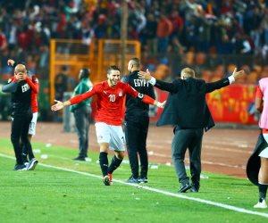 نجوم المنتخب الأولمبي يحتفلون مع الجماهير بعد التتويج ببطولة أمم أفريقيا 2019 (فيديو)