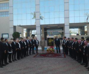 الرئيس يفتتح الصالة المغطاة بالعريش عن طريق فيديو كونفرانس (صور)