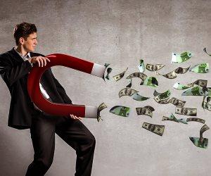 كيف تكون مليونيرا في عام واحد؟ .. السوشيال ميديا إحدى الأدوات