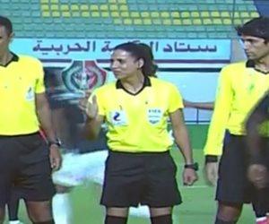 الجنس اللطيف يظهر لأول مرة في الملاعب المصرية (فيديو)