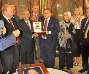 في صالون حسن راتب.. مفيد شهاب: مصر تمر بظروف صعبة تتطلب تتضافر كافة المتخصصين (صور)