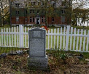 تضم رفات أكثر من مليون شخص.. سر «جزيرة الموتى» في نيويورك