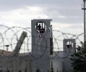عيدية أردوغان لنزلاء السجون في تركيا: قلع عيون.. ووجبات مسممة