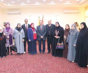 محافظ شمال سيناء يلتقي ذوو الاحتياجات الخاصة وكبار السن (صور)