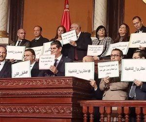 توتر في تونس.. ومواجهات بين «الإخوان» والقوى اليسارية والوطنية داخل البرلمان