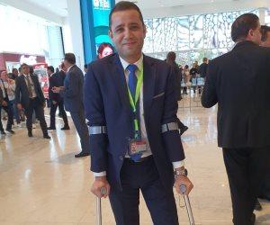 الرئيس يصافح شباب المنتدى.. والإعلامي مصطفى ميزار: طلبت منه حواراً تليفزيونياً (صور)
