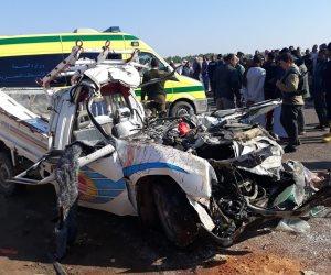 بعد مصرع 12 وإصابة آخر.. سيارة نقل تسير عكس الاتجاه وراء الحادث والسائق سلم نفسه (صور)
