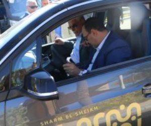 استعراض أول سيارة كهربائية فى شوارع شرم الشيخ بحضور محافظ جنوب سيناء.. صور