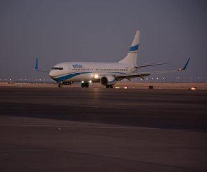 بعد توقف دام لسنوات.. وصول أول رحلة سياحية بريطانية إلى مطار شرم الشيخ (صور)