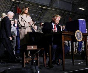 جولة مكوكية حول العالم.. التوقيع على الميزانية العسكرية الأمريكية لعام 2020..واشتداد الحرائق بأستراليا
