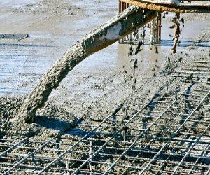 """الفتوى والتشريع تلزم شركة أسمنت """"لافارج"""" بدفع 200 مليون جنيه للتنمية الصناعية"""