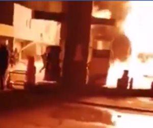 السيطرة على حريق سيارة نقل بنزين بالقرب من محطة وقود على الطريق الإقليمي