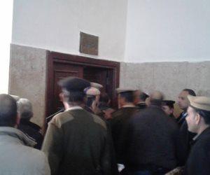 """وصول المتهمين بقتل """"شهيد الشهامة"""" للمحكمة لنظر أولى جلسات الاستئناف (صور)"""