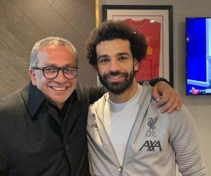 عمرو الجنايني يهنئ صلاح بعد فوز فريقه على مانشيستر يونايتد في الدوري الإنجليزي (صورة)