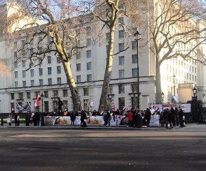 """الجالية المصرية للرئيس قبل لقاء جونسون فى لندن: """"تحيا مصر وبنحبك يا سيسى"""""""