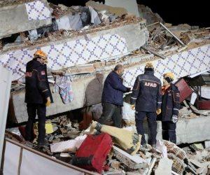 تسونامى يضرب تركيا بعد زلزال أزمير.. وعدد الضحايا يرتفع لـ6 قتلى و202 مصاب