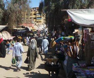 من فضلك ارتدي الكمامة.. سوق السيل في أسوان شوارعه مغطاه بدماء «الفراخ»