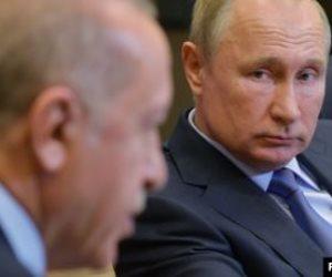 أردوغان «مقموص».. لهذه الأسباب يرفض تنفيذ اتفاقه مع موسكو في سوريا