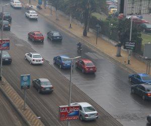 صور.. أمطار خفيفة على القاهرة والجيزة وانخفاض حاد بدرجات الحرارة