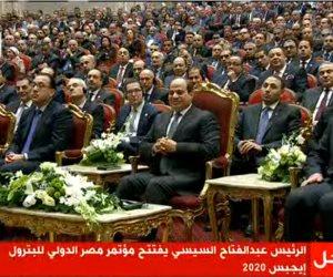 """الرئيس السيسى يتفقد أجنحة الدول المشاركة بمعرض """"ايجبس 2020"""""""